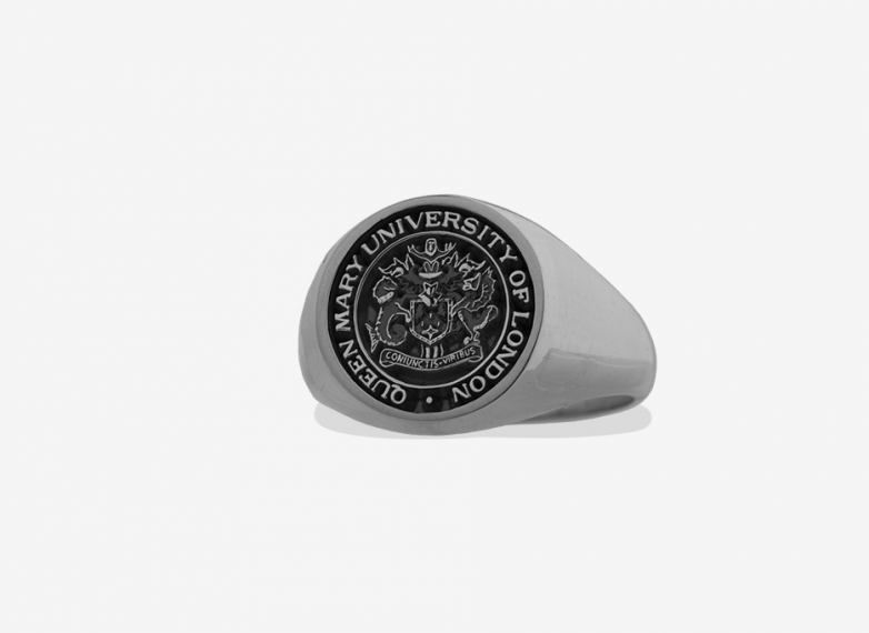 Oversized Signet in Sterling Silver, 18.5mm